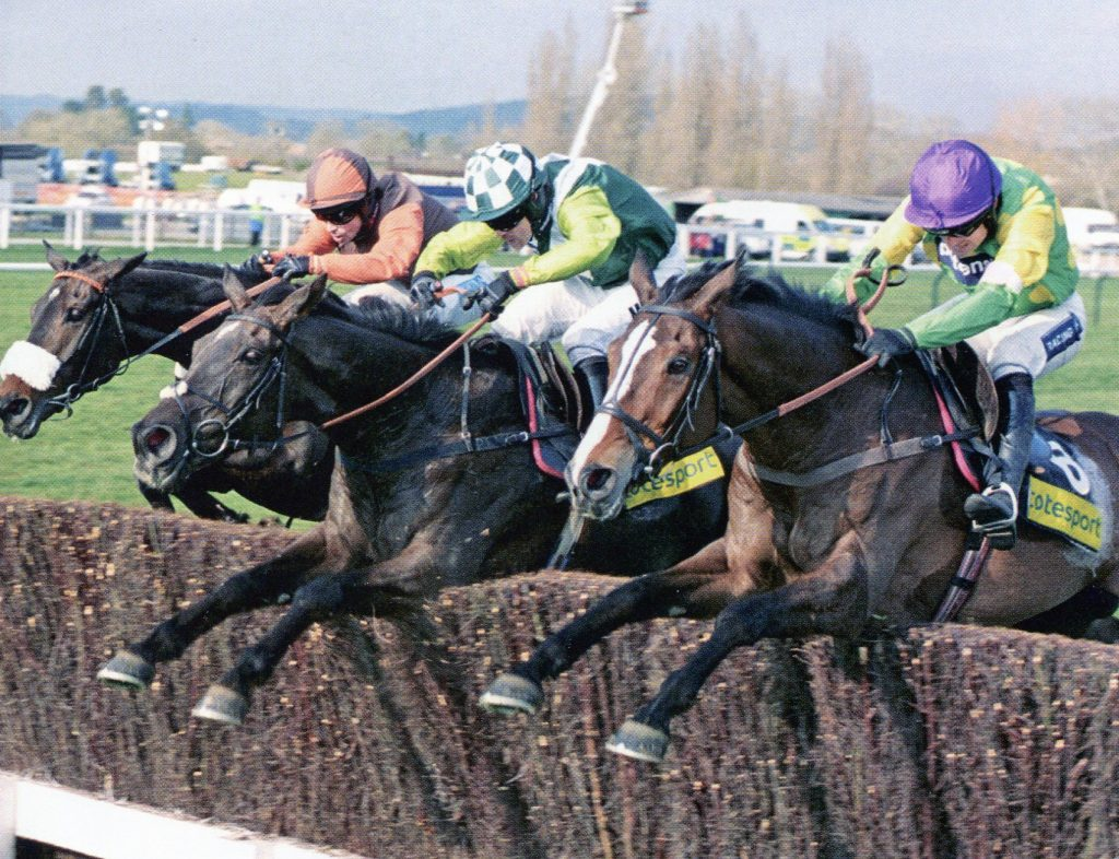 Cheltenham Gold Cup 2011 - Three Heavyweights jump together